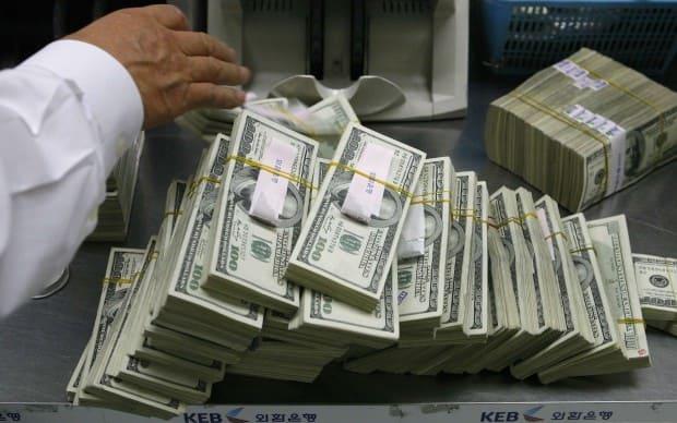 10 млрд долларов вывели в оффшор из Казахстана за 10 лет
