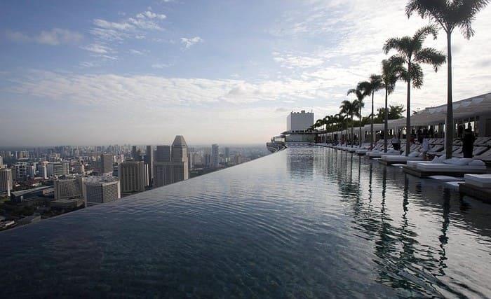 водопад самого дорого отеля
