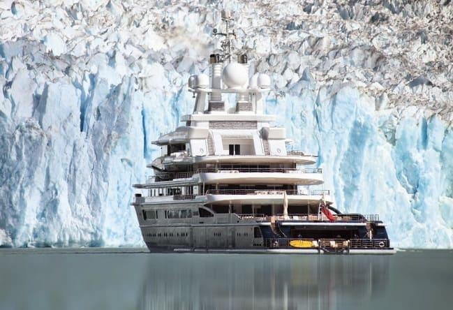 Яхта Luna в Арктике