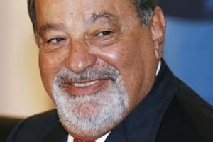 Mexican billionaire Slim is opposed to donate half of his fortune